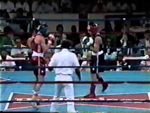 Oscar De La Hoya vs Anthony Christodolou